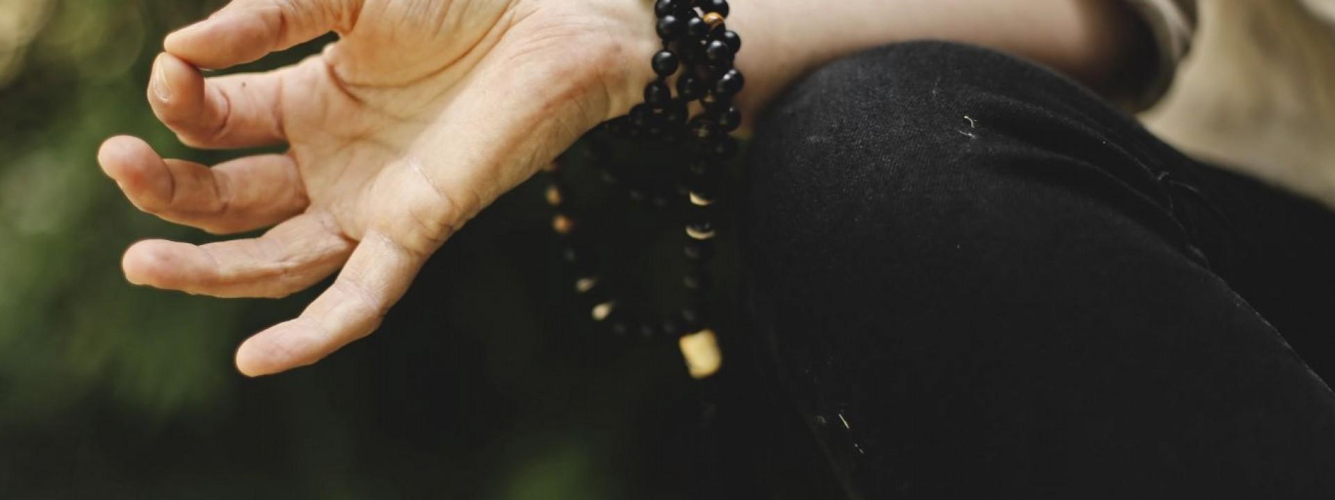 Prática de meditação por apps